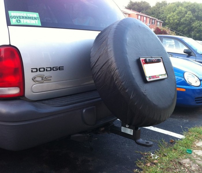 Hitch-mounted Spare Tire Carrier